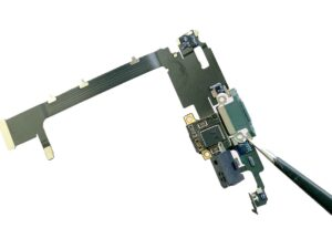 Lightning Connector Assembly